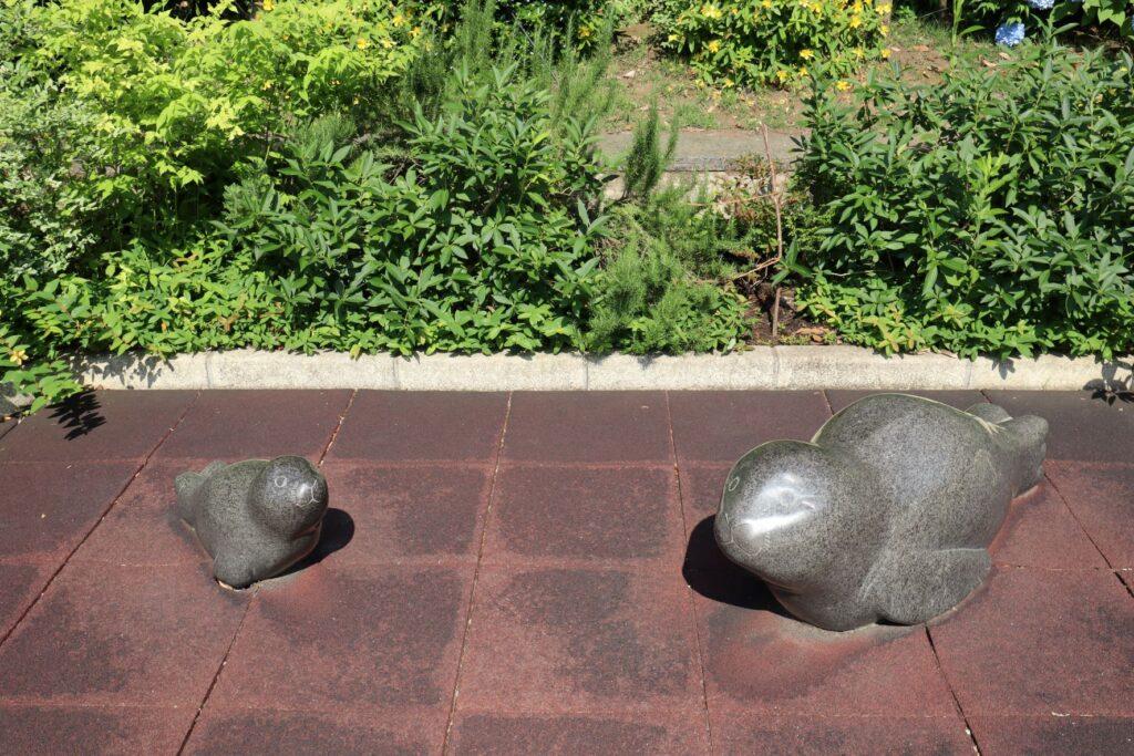 深川ギャザリアのプラザ棟にあるアザラシ像