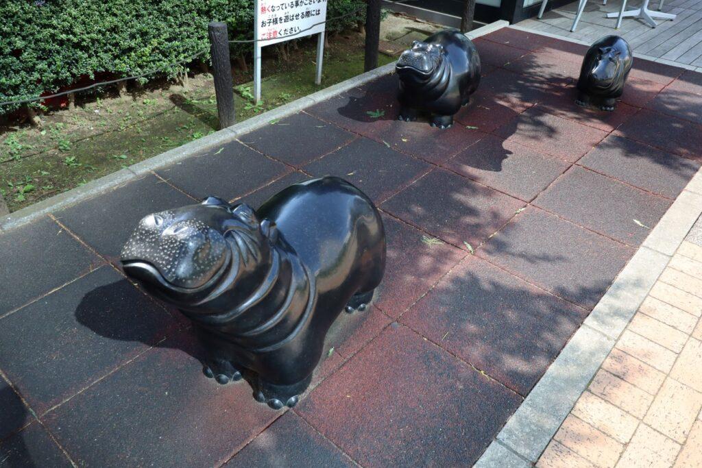 深川ギャザリアのプラザ棟にあるカバ像