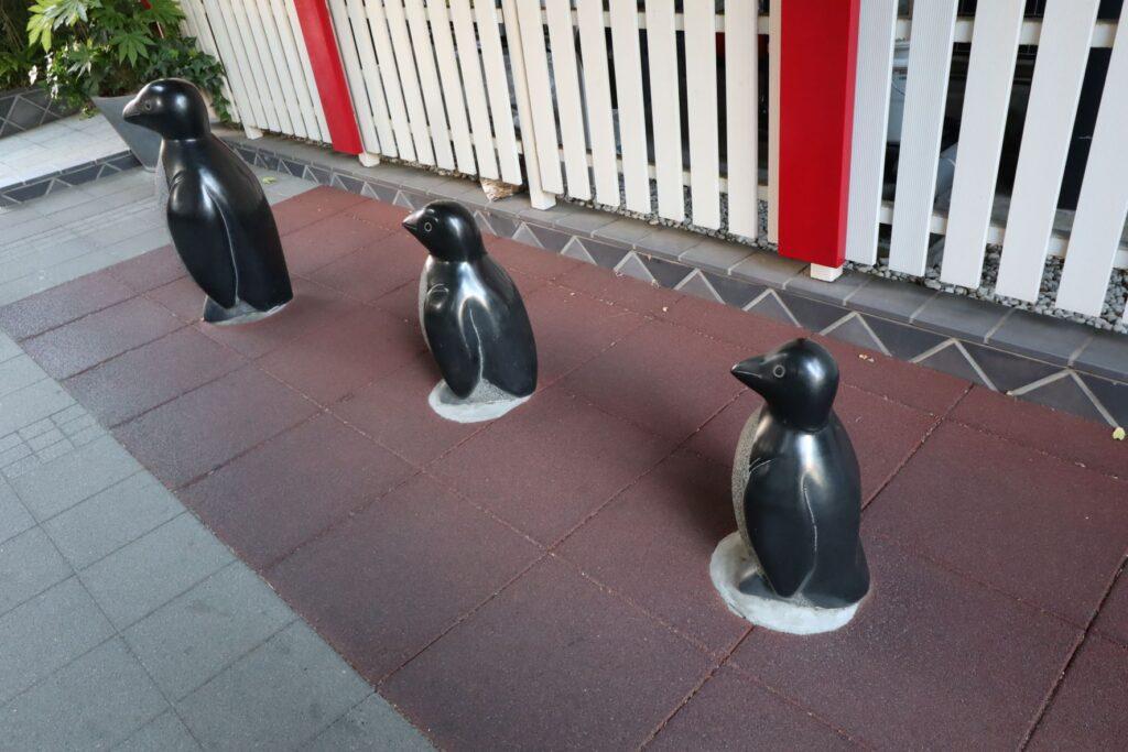 深川ギャザリアのオフィスW2棟にあるペンギン像