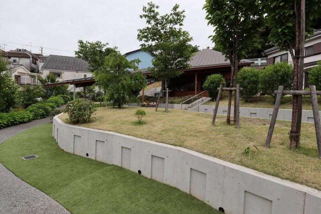 本覚寺の森の観音霊園