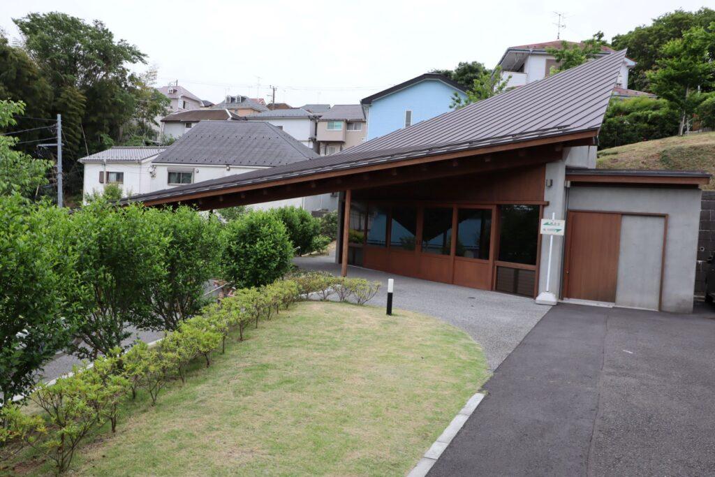 本覚寺の森の観音堂
