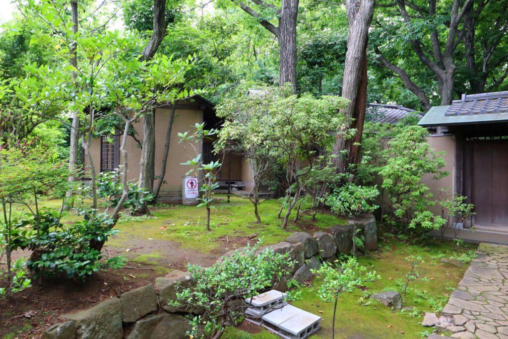 川崎市民プラザの日本庭園の茶室