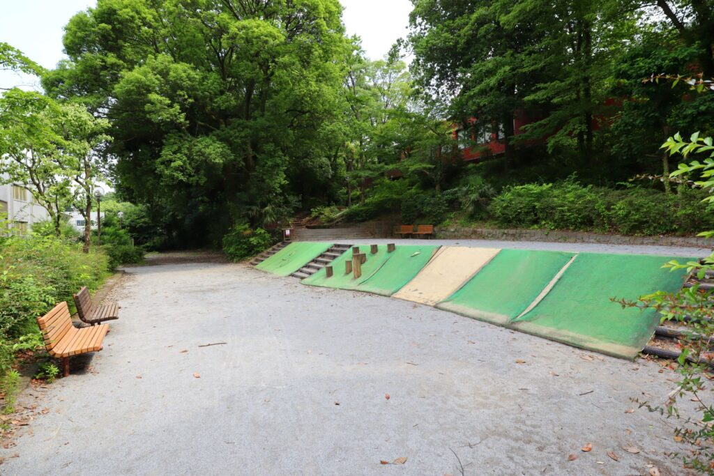 川崎市民プラザの子供の遊び場