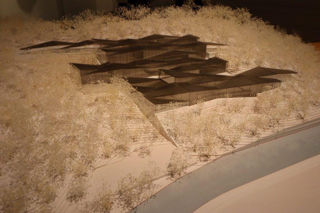 隈研吾展の中国美術学院民芸博物館の建築模型