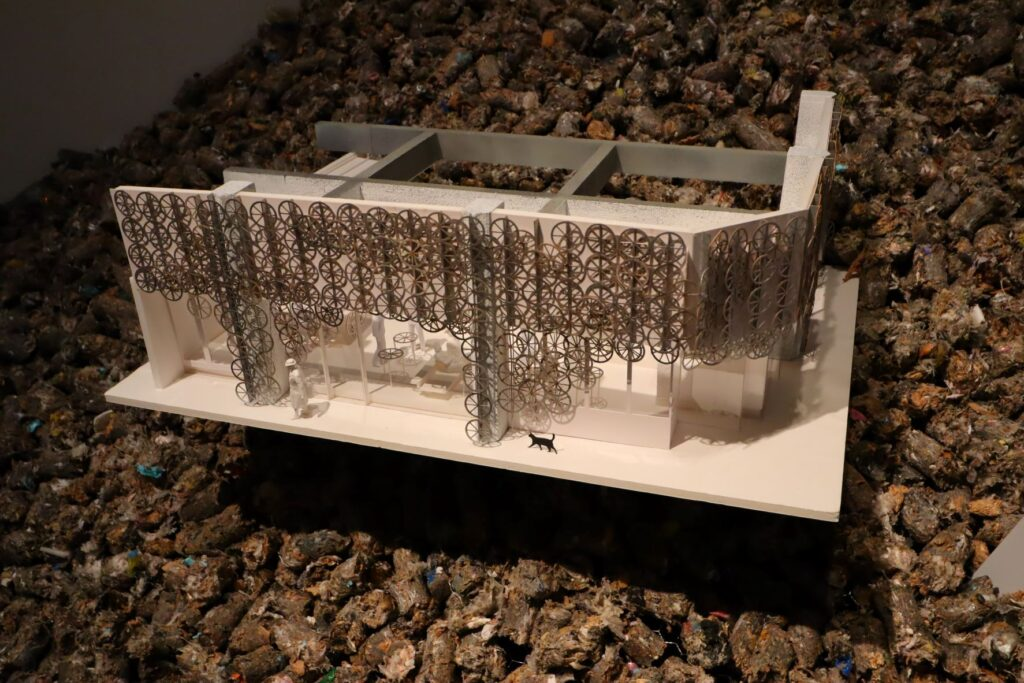 隈研吾展のハモニカ横丁 三鷹の建築模型