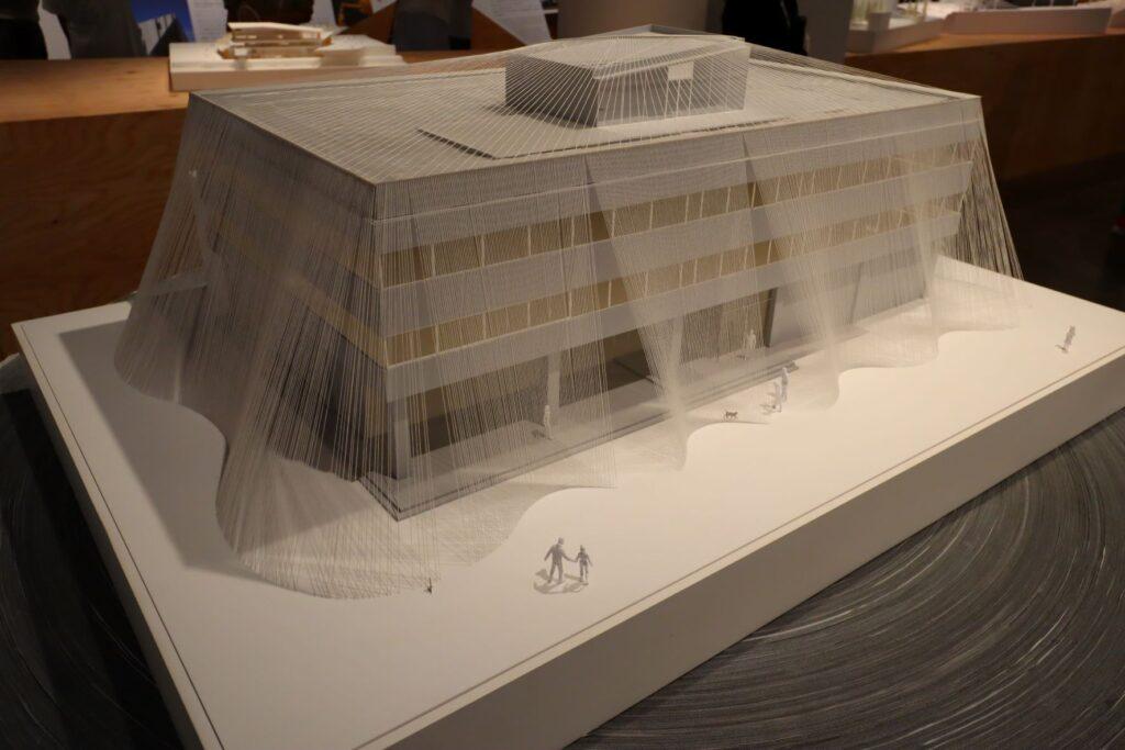 隈研吾展の小松精練ファブリックラボラトリーの建築模型