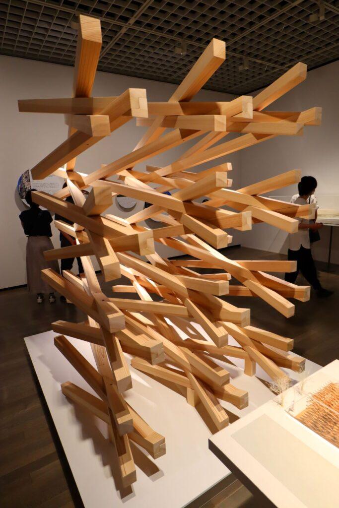 隈研吾展のスターバックスコーヒー太宰府天満宮表参道店の建築模型