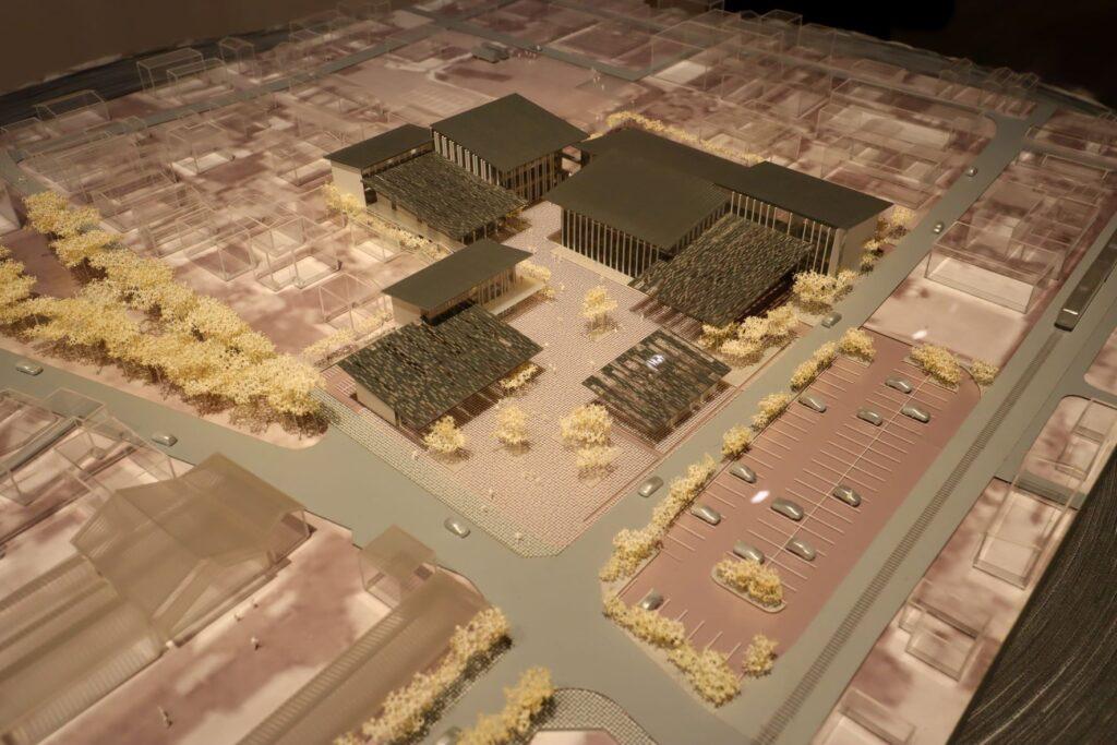 隈研吾展の富岡市役所の建築模型