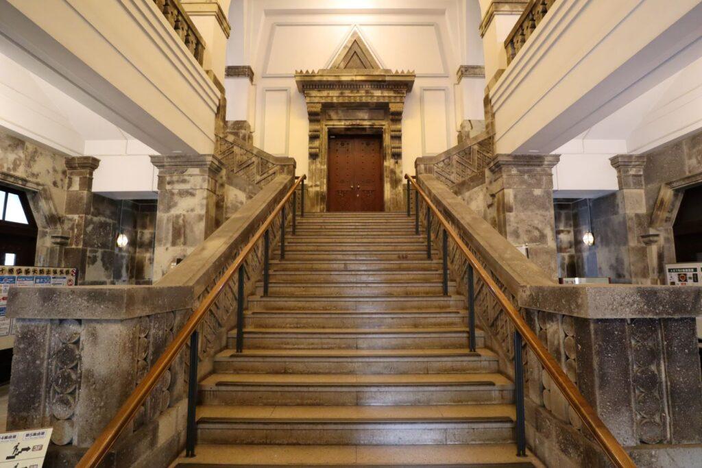 大倉山記念館の大階段