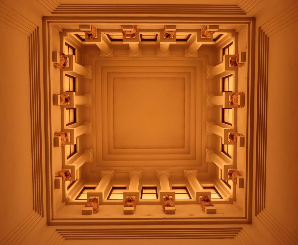 大倉山記念館の吹抜け天井