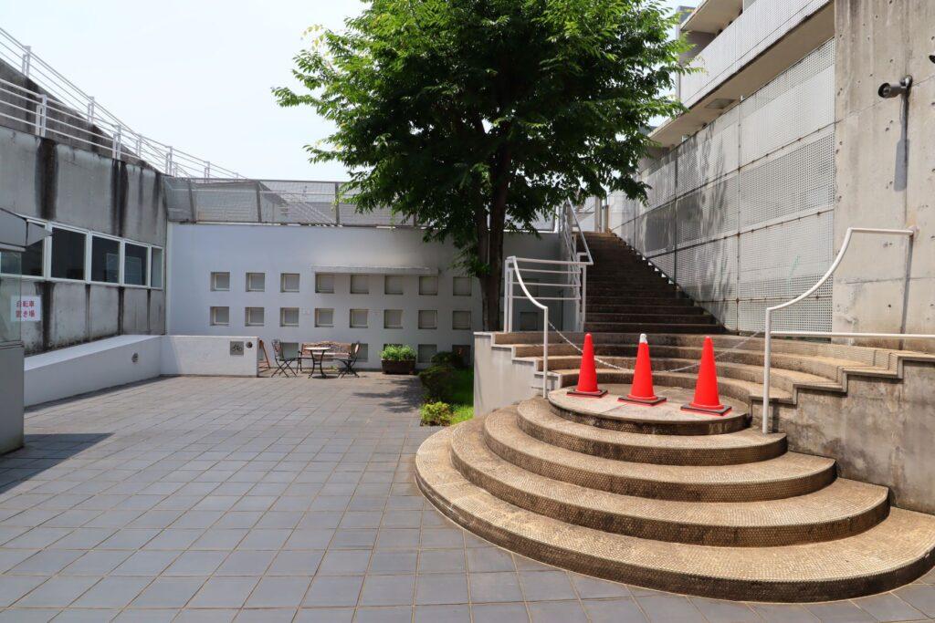 川崎市大山街道ふるさと館の中庭