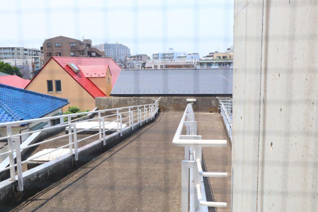 川崎市大山街道ふるさと館の外部スロープ