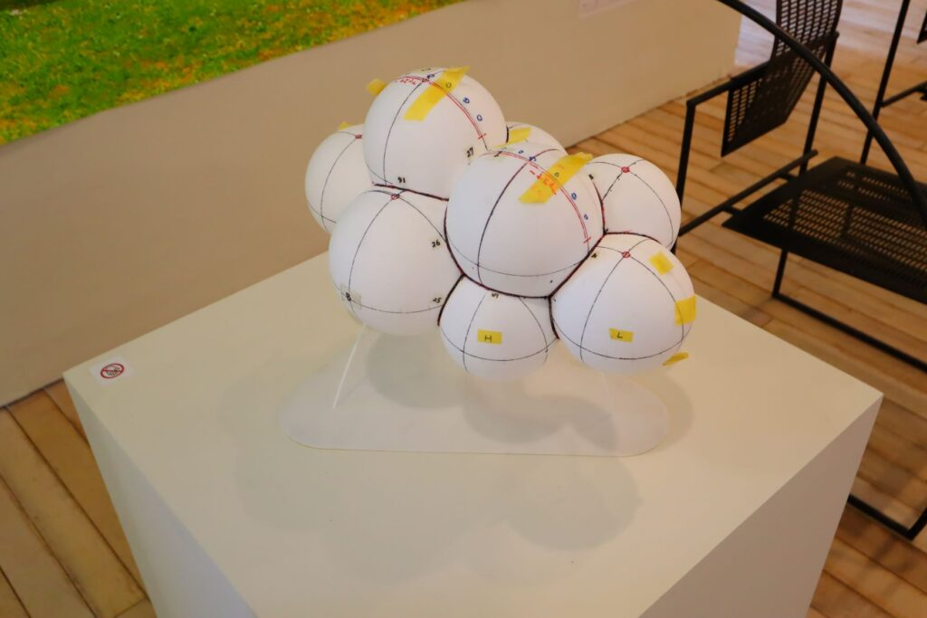パビリオン・トウキョウ2021展のCloud pavillion(藤本壮介)の模型