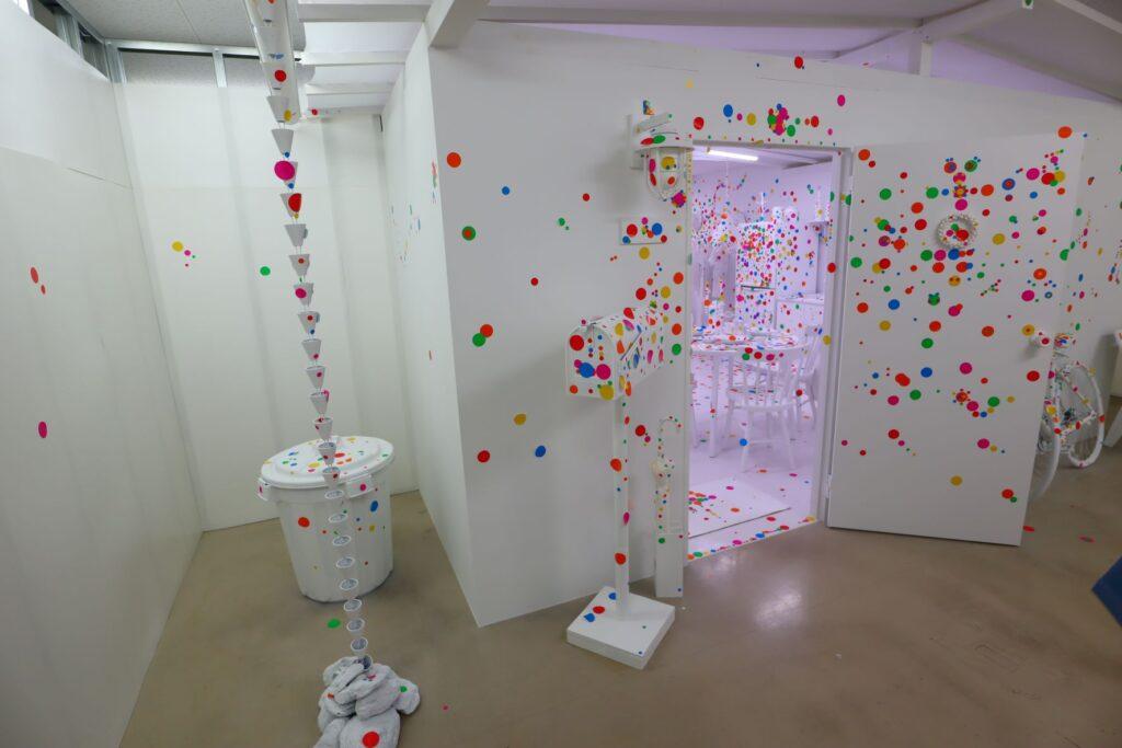 パビリオン・トウキョウ2021のオブリタレーションルーム(草間彌生)