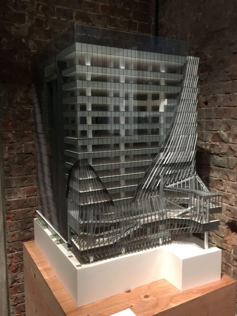 渋谷スクランブルスクエア低層部外観の模型