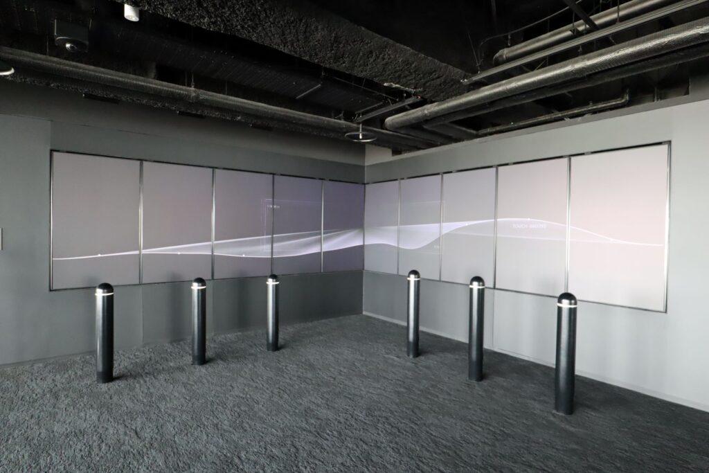 渋谷スクランブルスクエアのSHIBUYA SKYの屋内展望回廊にある時空の川