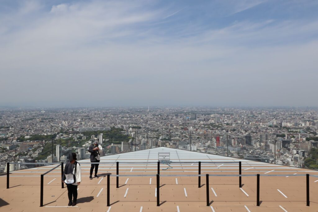 渋谷スクランブルスクエアのSHIBUYA SKYの屋上からの景色