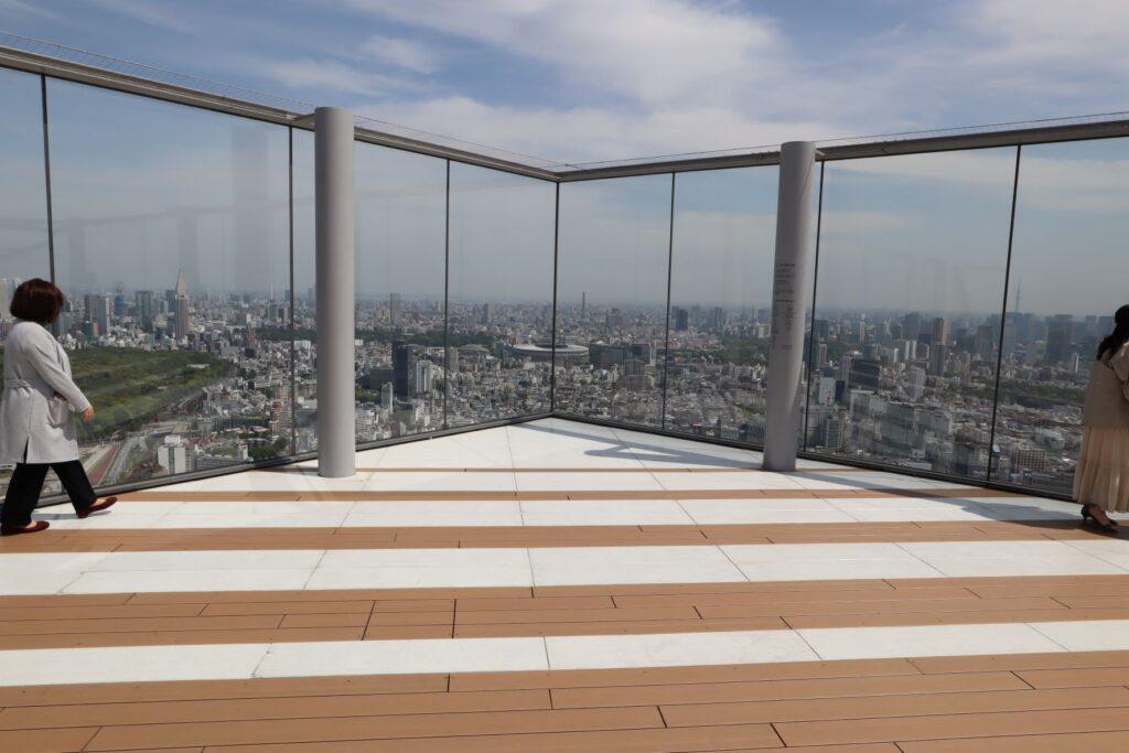 渋谷スクランブルスクエアのSHIBUYA SKYの屋上