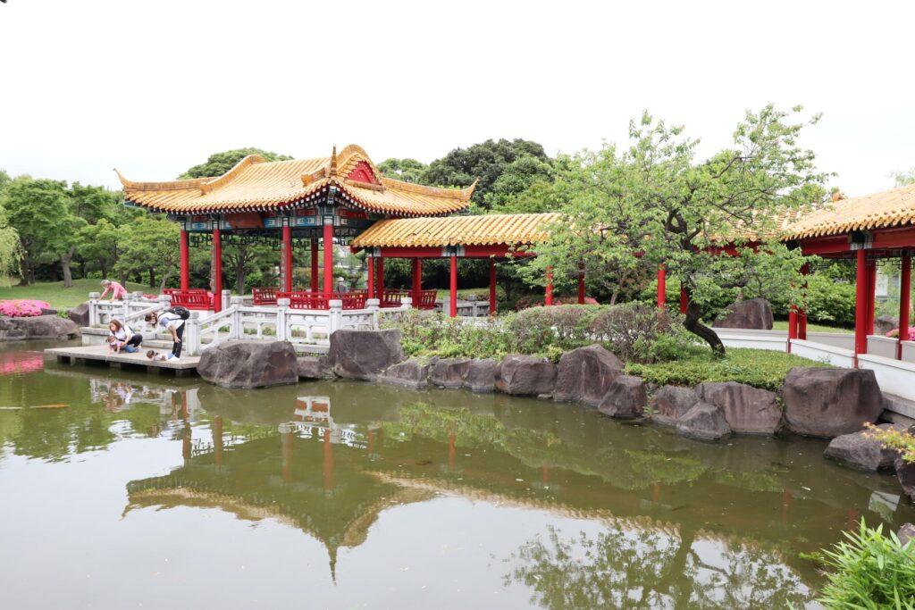 大師公園瀋秀園の環碧廊と藕香榭