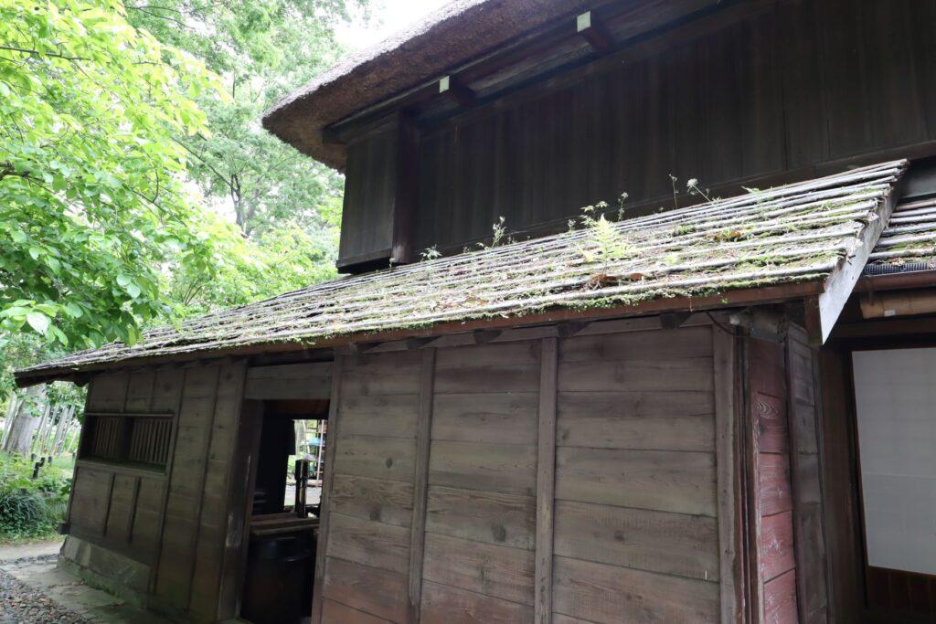 旧橫溝家住宅の蚕小屋外観