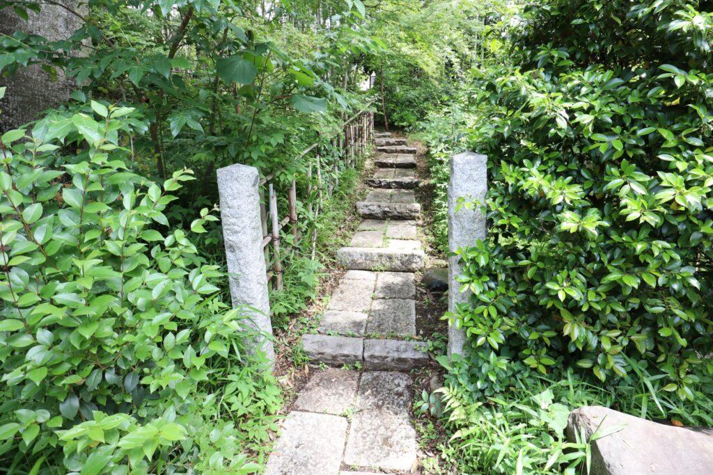 日吉の森庭園入口