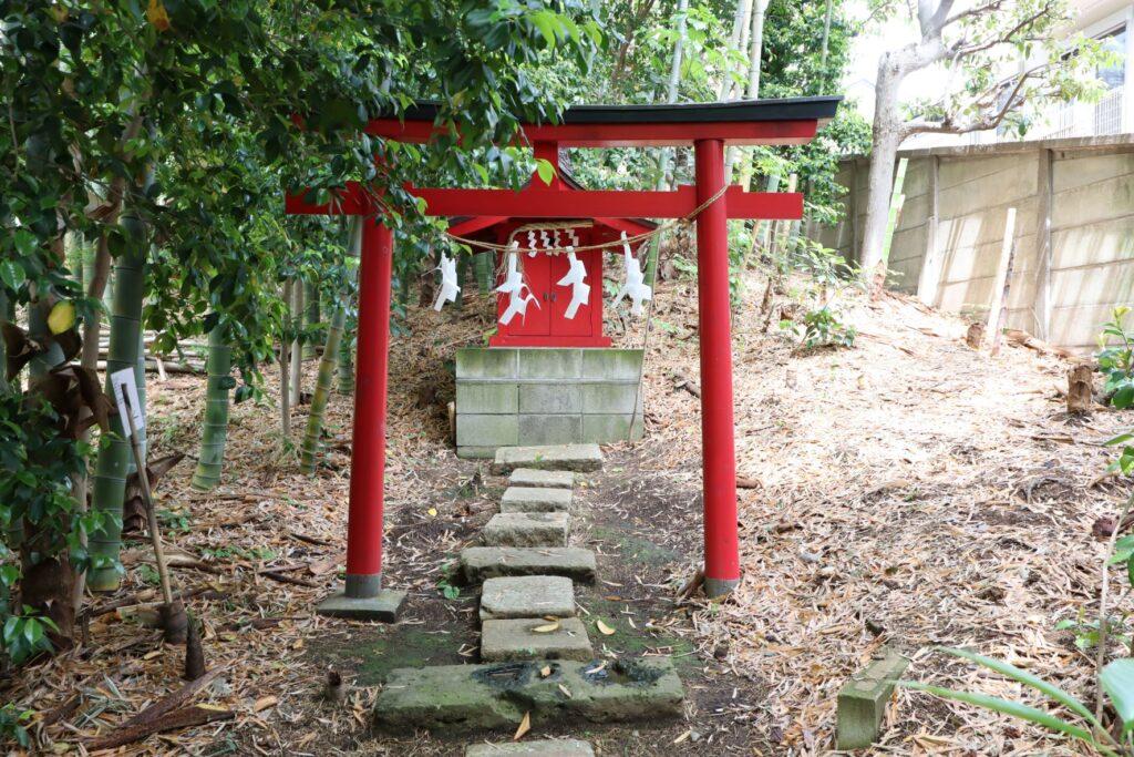 日吉の森庭園のお稲荷さん