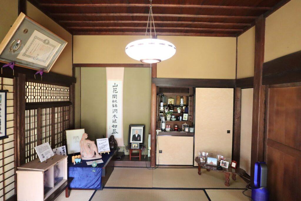 田邊泰孝記念館の座敷