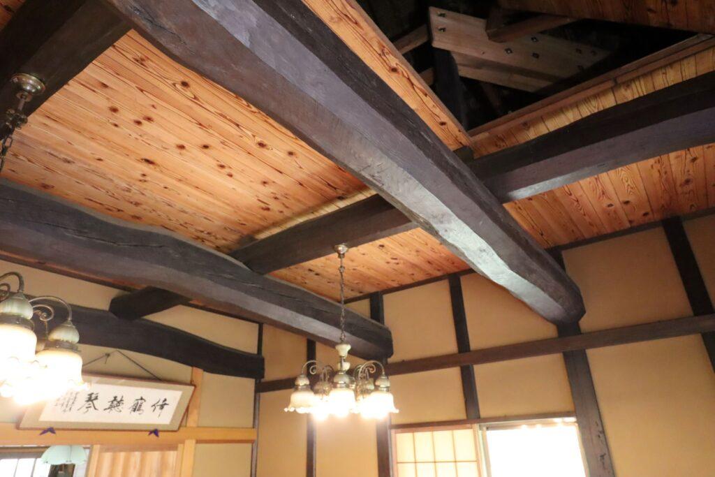 田邊泰孝記念館の天井