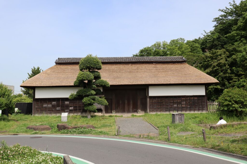 飯田家住宅の長屋門ファサード