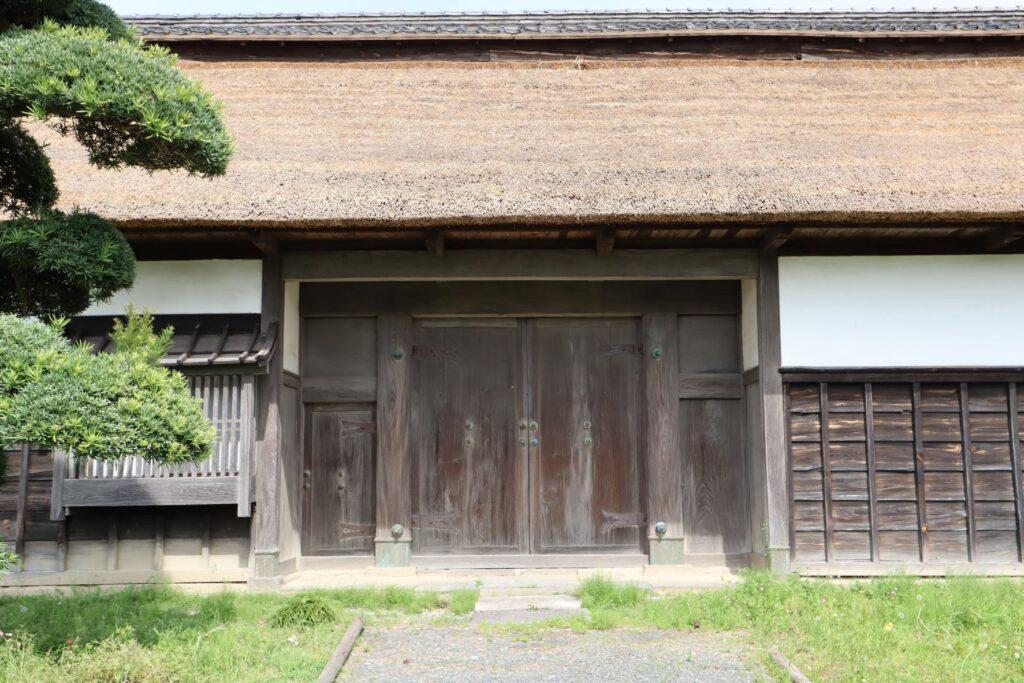 飯田家住宅の長屋門外観