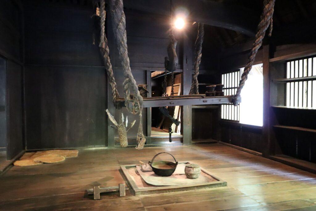 日本民家園の信越の村の江向家住宅囲炉裏