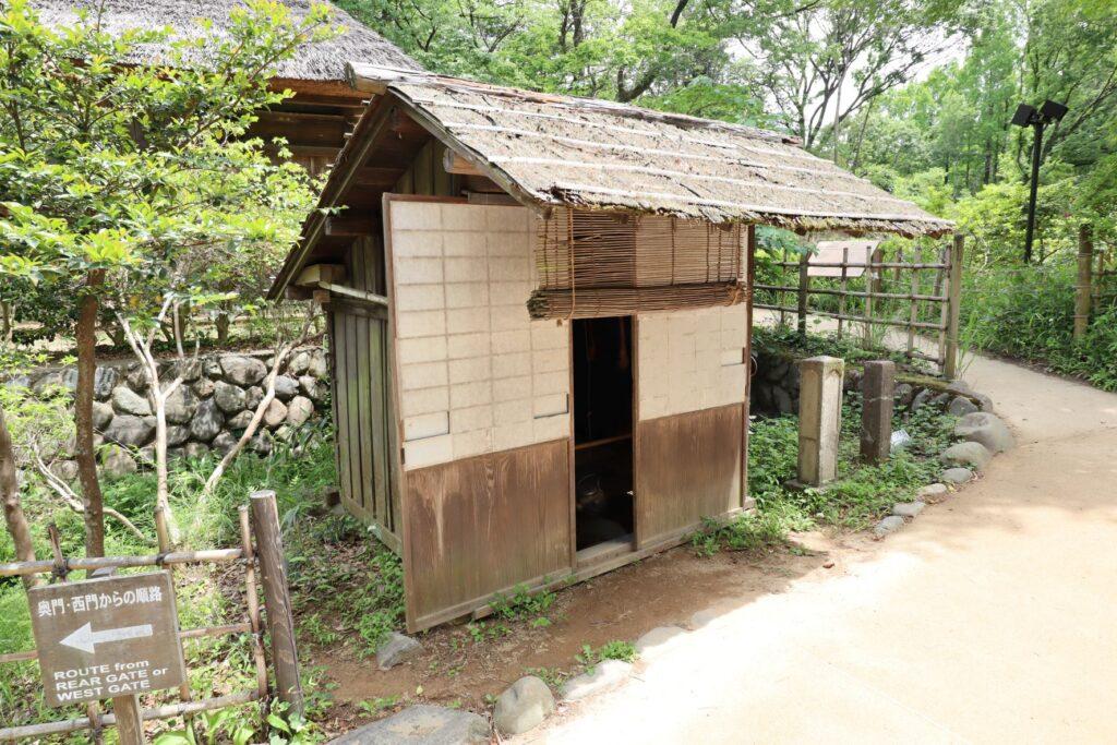 日本民家園の神奈川の村の船頭小屋外観