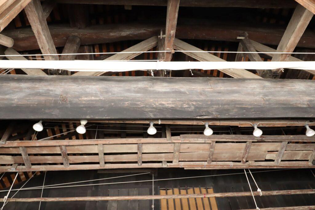 日本民家園の船越の舞台内観