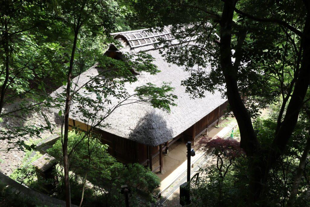 日本民家園の神奈川の村の岩沢家住宅外観