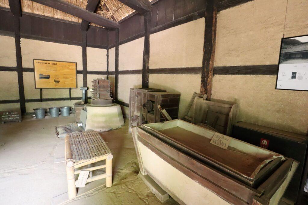 日本民家園の神奈川の村の岩沢家住宅土間