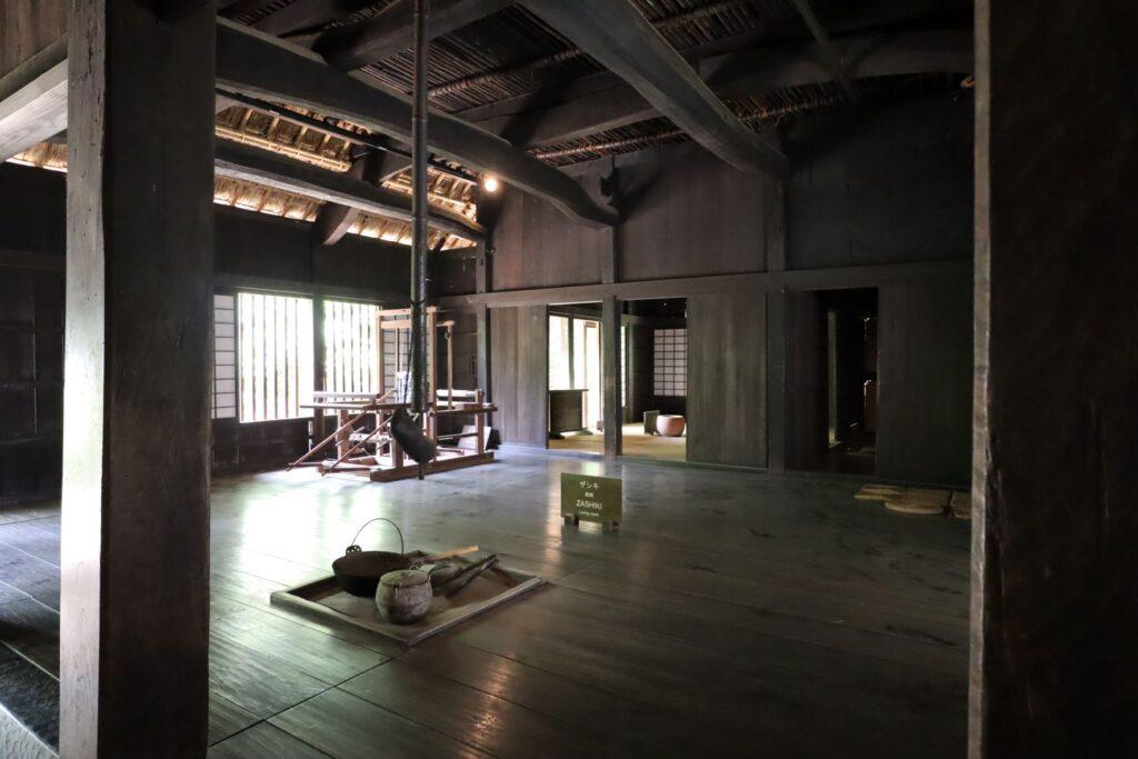 日本民家園の神奈川の村の岩沢家住宅広間