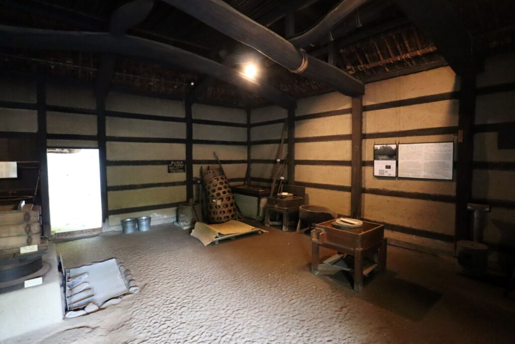 日本民家園の神奈川の村の北村家住宅の土間