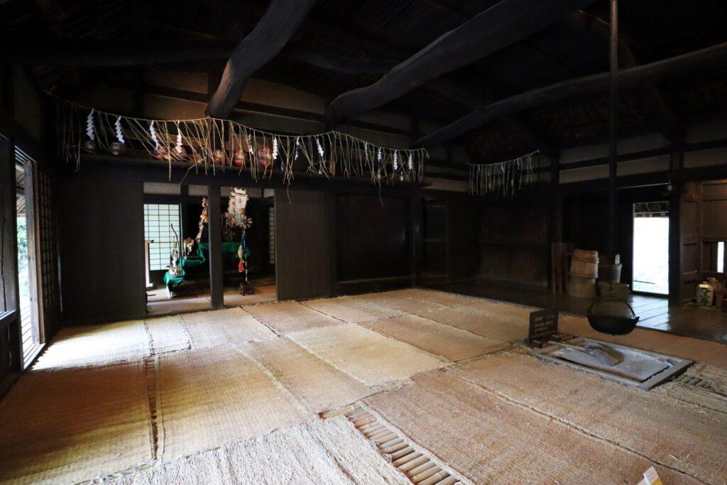 日本民家園の神奈川の村の北村家住宅の広間