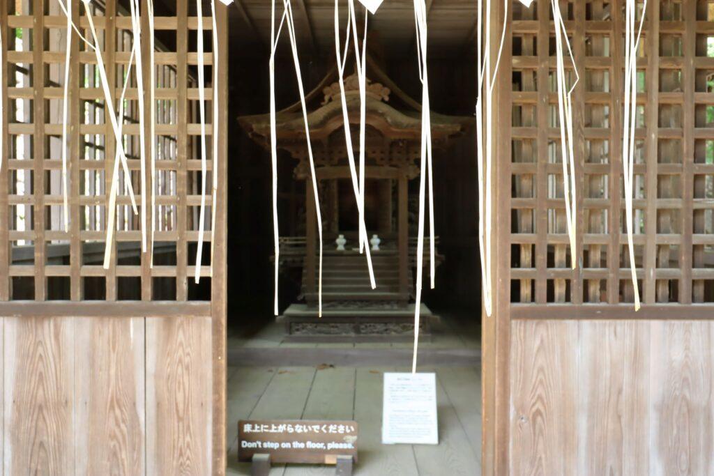 日本民家園の神奈川の村の蚕影山祠堂内観