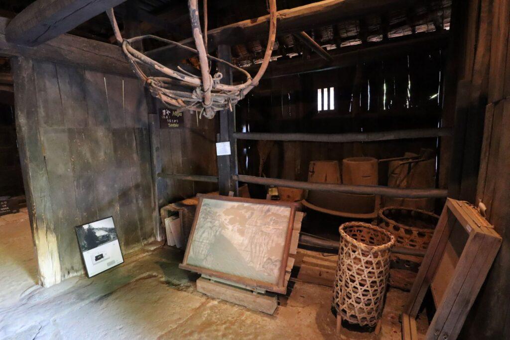 日本民家園の信越の村の野原家住宅馬屋
