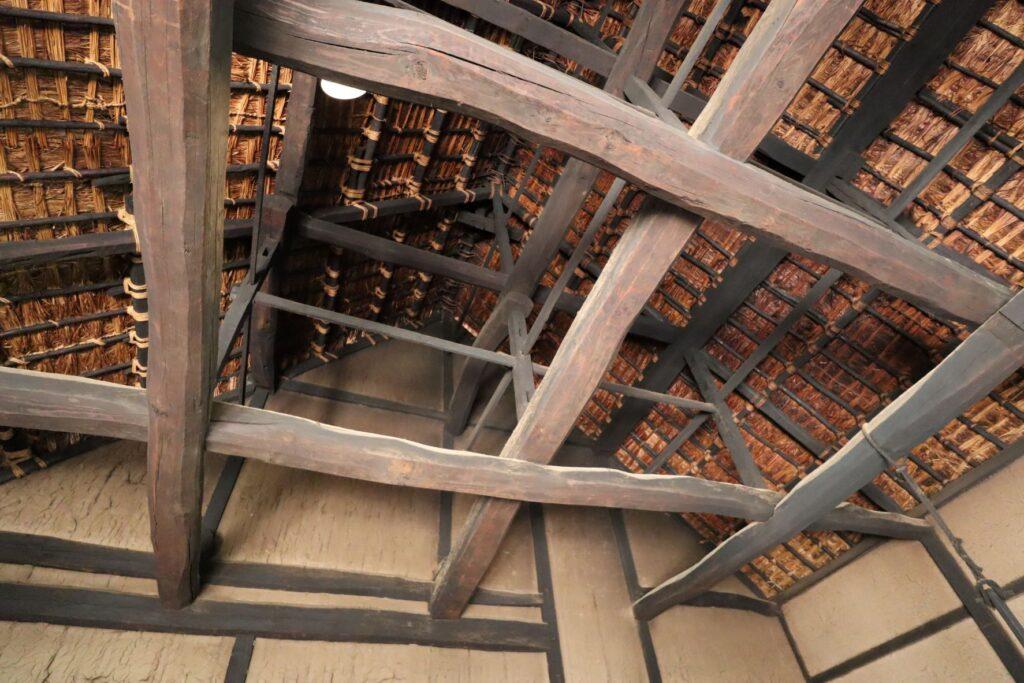 日本民家園の信越の村の佐々木家住宅天井