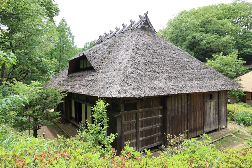 日本民家園の東北の村の菅原家住宅外観