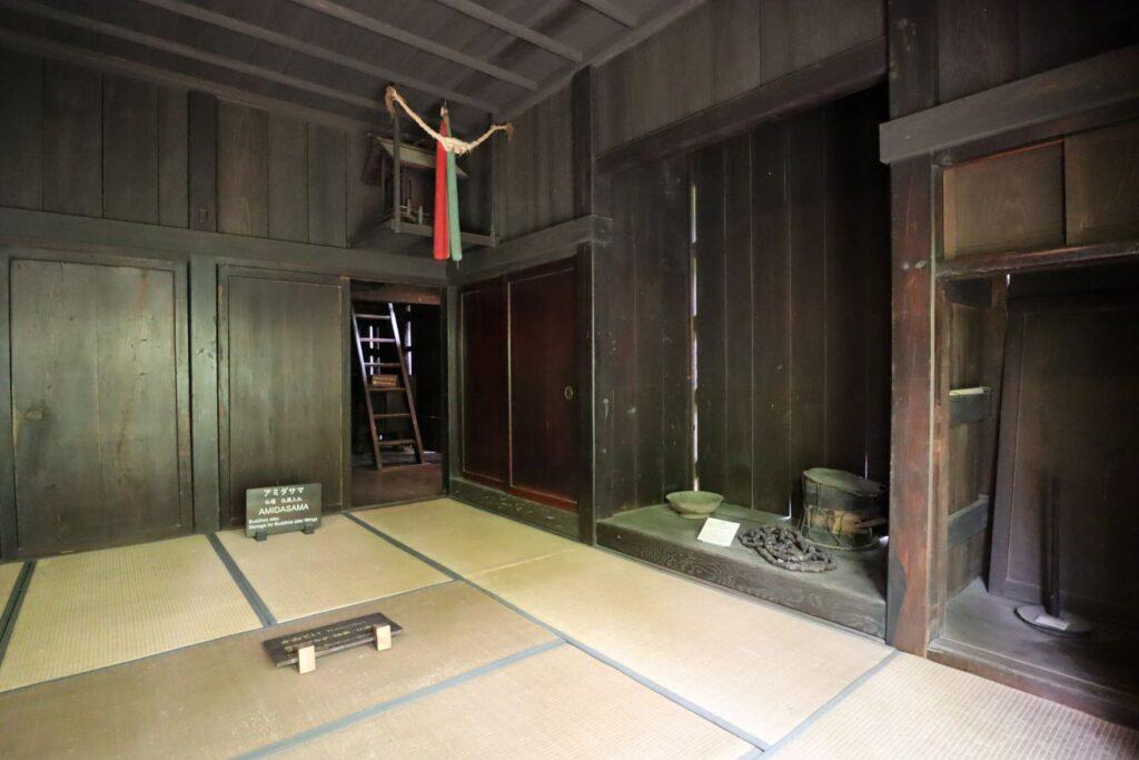 日本民家園の東北の村の菅原家住宅かみで