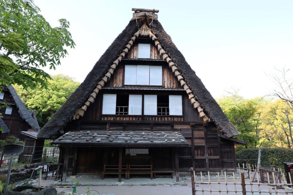 日本民家園の信越の村の山下家住宅外観