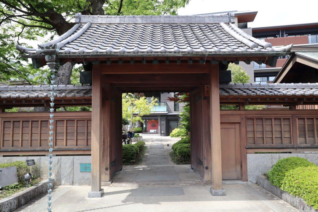 陣屋門プラザの原家旧住宅表門(陣屋門)