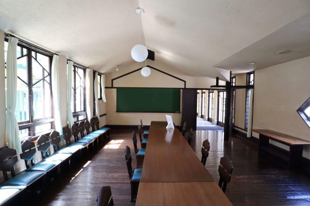 自由学園明日館の教室