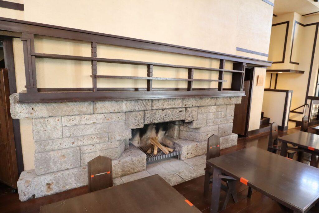 自由学園明日館の食堂の暖炉
