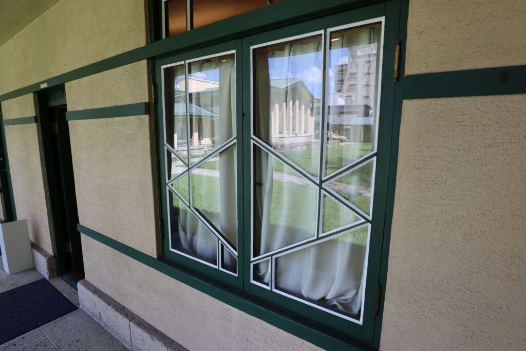 自由学園明日館の窓