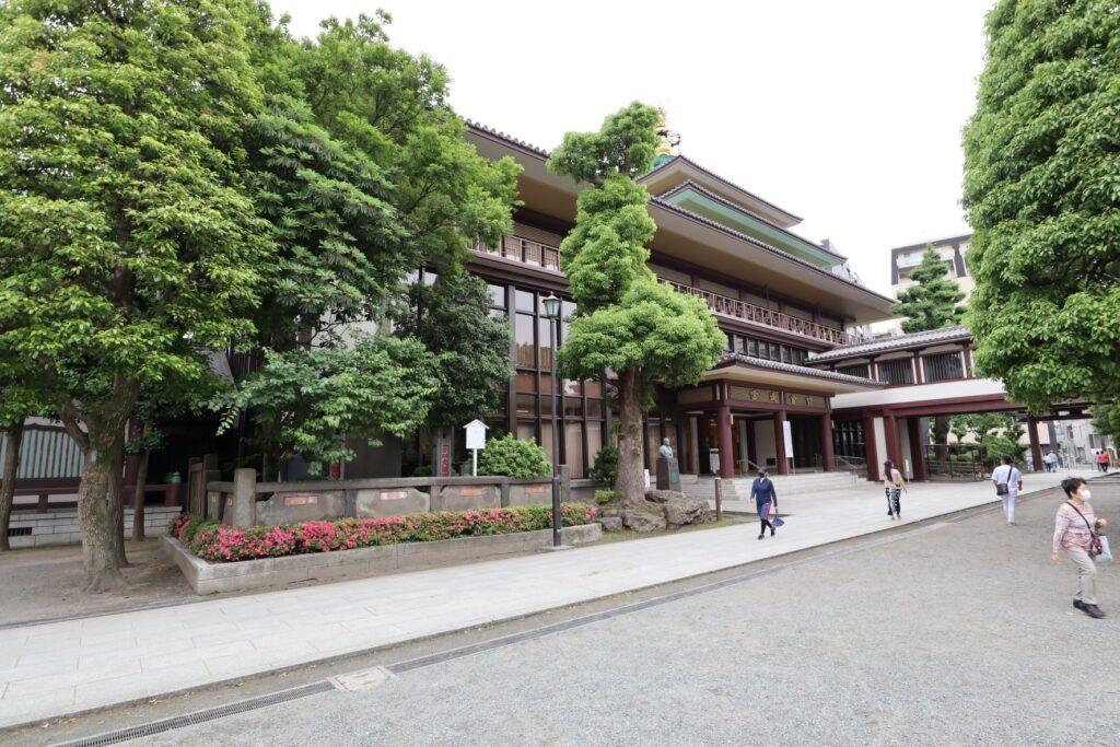 川崎大師の信徒会館