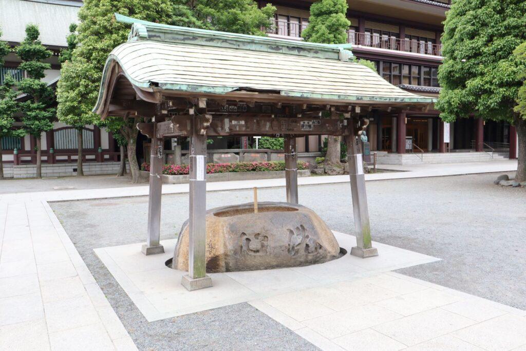川崎大師の不動堂